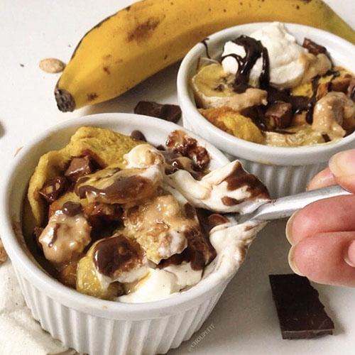 recette healthy de pain perdu au four au chocolat et à la banane sans lait de vache, sans sucre ajouté