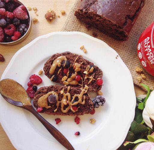 Dessert ultra protéiné pour la musculation végan sans sucre, sans matiere grasse, sans lactose avec oeuf de chia, flocons d'avoine, banane et proteine en poudre chocolat forceultranature