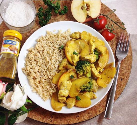 Emincé de poulet avec pommes et curry healthy sans gluten et sans lactose