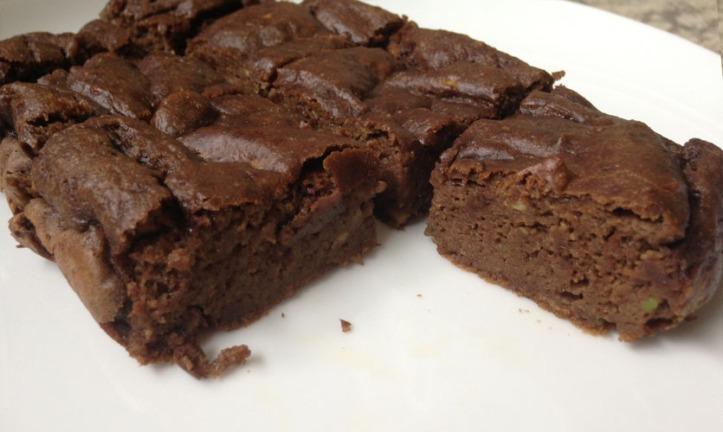 Cake moelleux et fondant au chocolat et avocat sans beurre et sans lactose