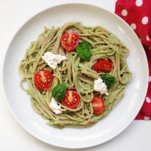 spaghetti au pesto de courgettes (sans parmesan et sans pignon)