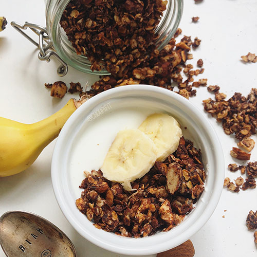 recette de granola maison healthy sans sucre ajouté et sans huile à la poêle