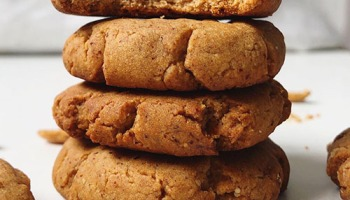 recette healthy et vegan de cookies sablés au beurre de cacahuète sans beurre et sans sucre