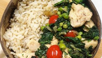 Recette healthy de repas équilibré avec du poulet coco et citron